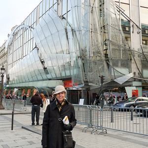 Joyce in front of Publicis Drugstore