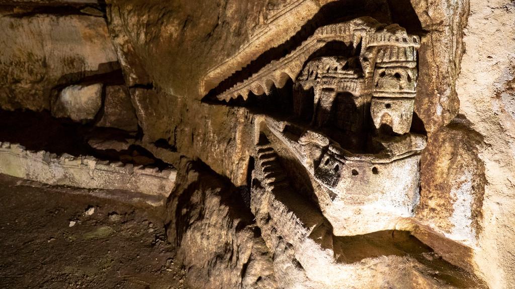 Sculptures de Décure - Paris Catacombs