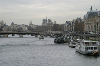 View up the Seine from the Pont de la Concorde