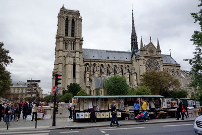 Notre_Dame_art-shops_DSC1217_resize