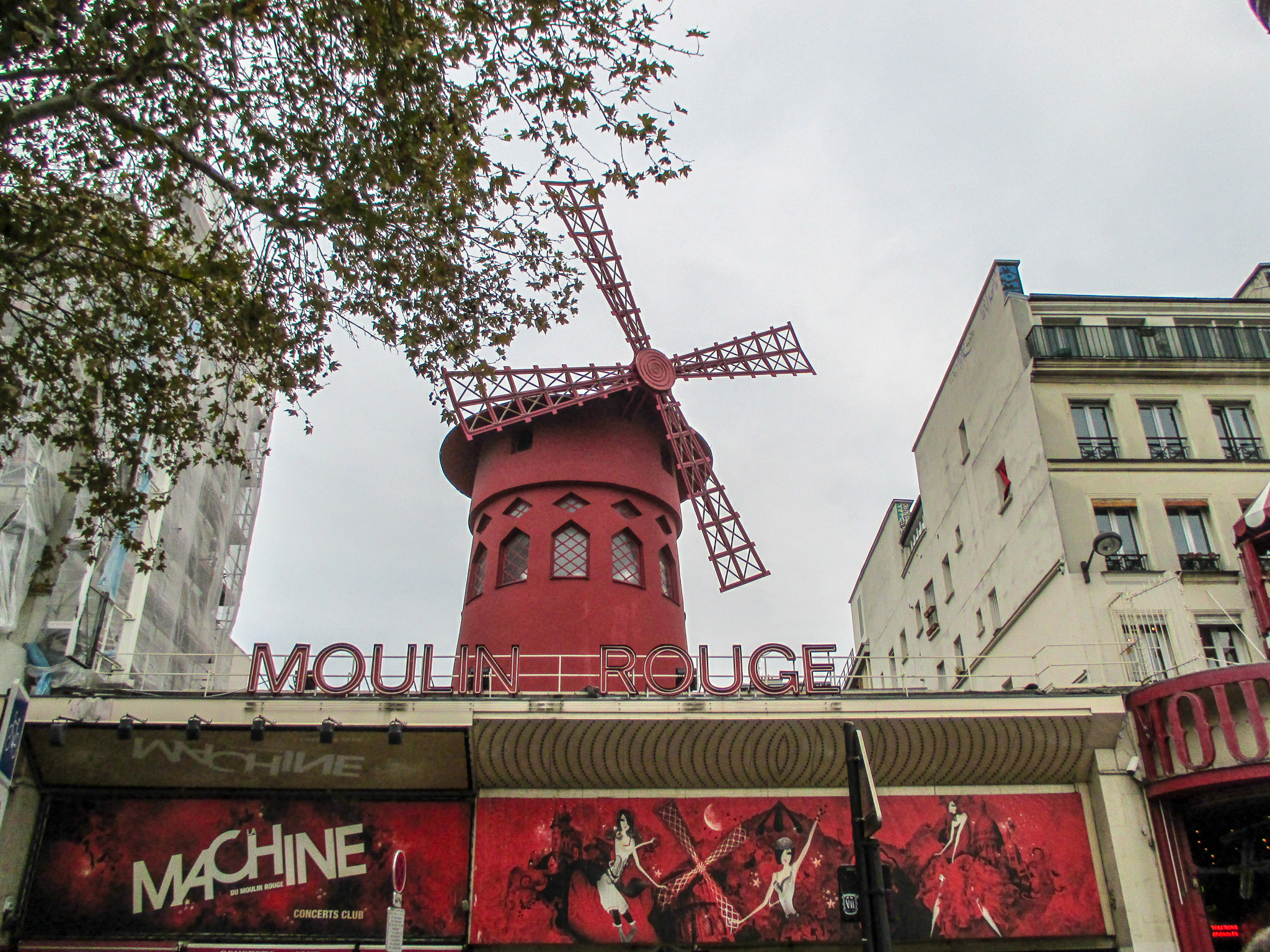 14 days in europe itinerary: the moulin rouge is a cool building but might be too pricey for backpackers