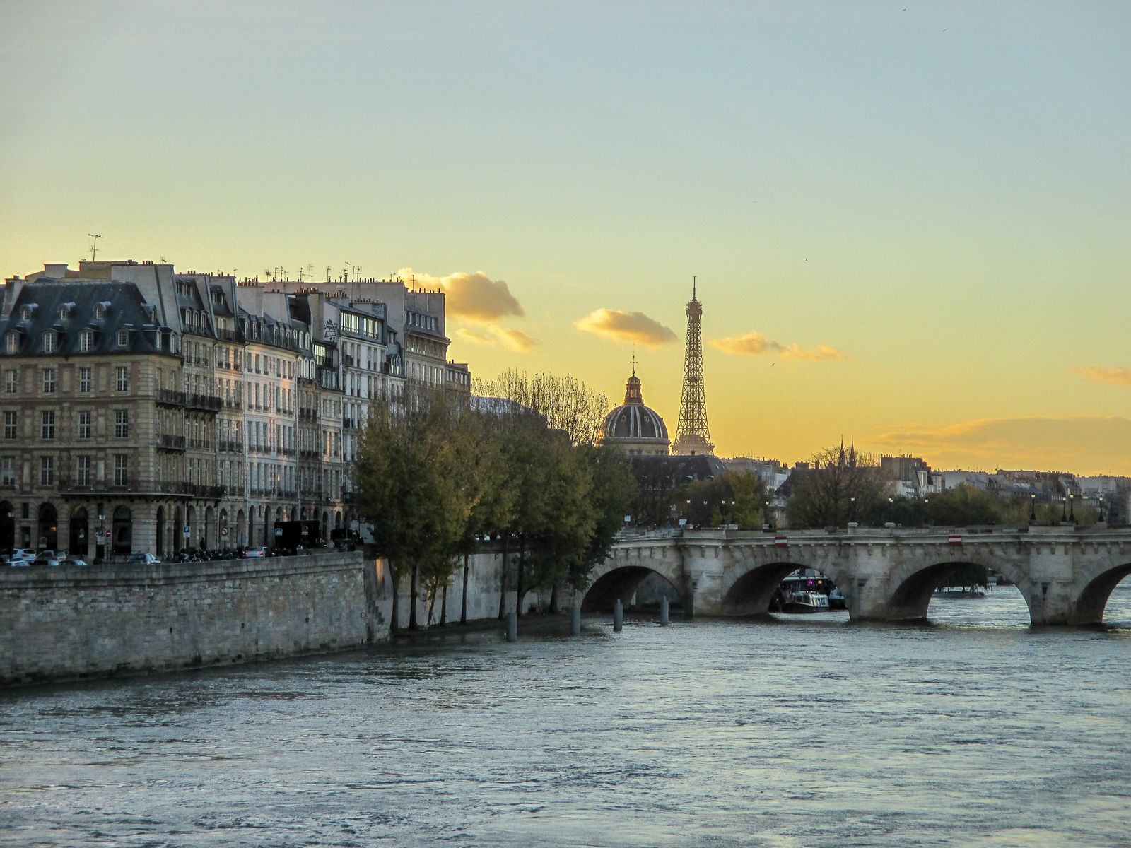 see the sunsets when traveling to paris for the first time