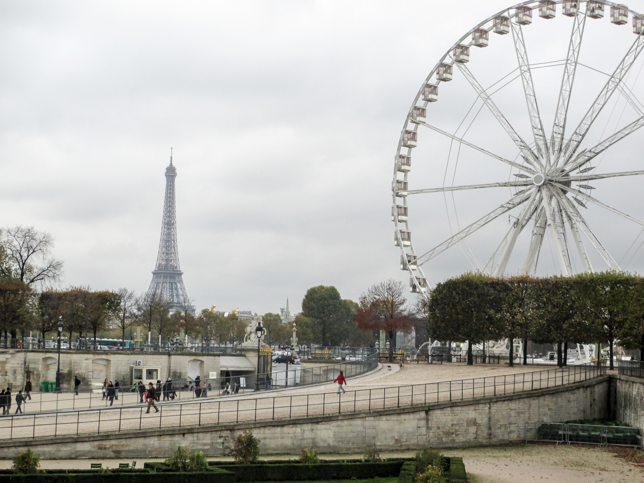 2 week backpacking europe itinerary will start in gorgeous paris