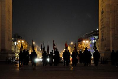 © Felipe Popovics Arc De Triomphe Cerimónia da chama da lembrança em homenagem ao soldado desconhecido.