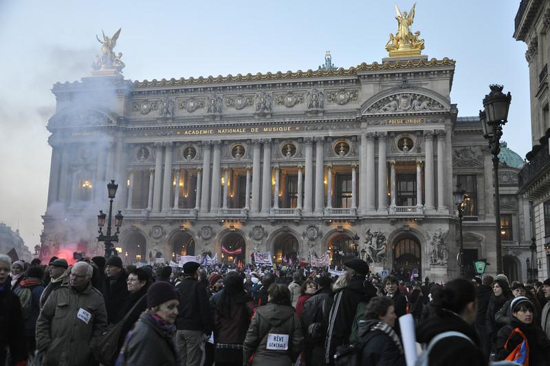 """<DIV ALIGN=RIGHT><i><a class=""""nav"""">© Felipe Popovics</a></i></DIV> Opéra National de Paris, Palais Garnier Grève générale, 29-Jan-2009"""