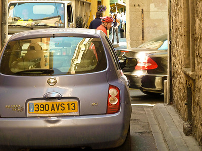 Arles - Tight turns even for small cars.