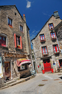 Besse-en-Chandesse - Rue du Marché