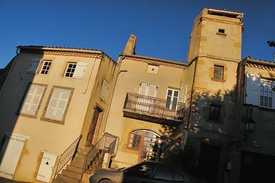 Saint-Saturnin - Place de l'Eglise