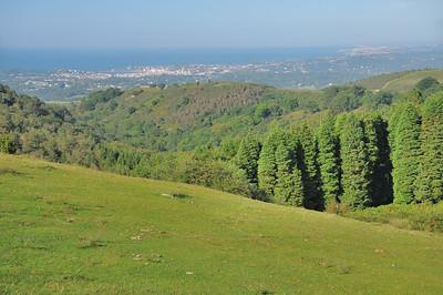 Col d'Ibardin - Littoral atlantique, Saint-Jean-de-Luz (à gauche ) et Biarritz (à droite)