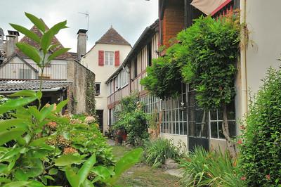 Navarrenx - Rue de la Fontaine