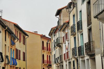 Prats-de-Mollo-la-Preste - Les balcons de la rue du Faubourg