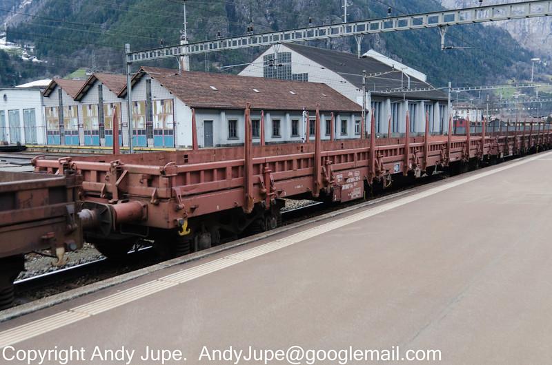 11873998131-4_b_Res_un068_Erstfeld_Switzerland_31012013