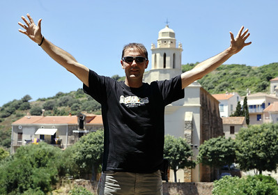 A Cargese (Corse), devant l'eglise orthodoxe