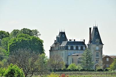 Lacenas - Château de Carbonnières