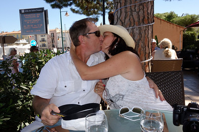 St_Tropez_Michel-Chantal_Kissing_DSC0979