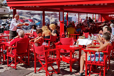 St_Tropez_red-cafe_DSC1008