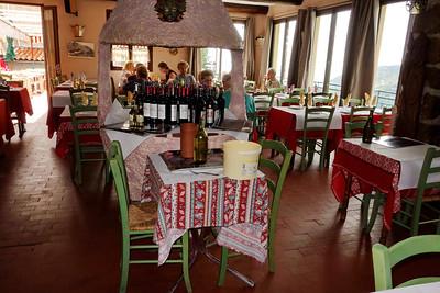 St_Agnes_Dining-room_wine_DSC0915