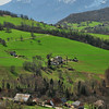 Au sud des Bauges - Le massif de la Chartreuse au fond à gauche et à droite le Mont Granier