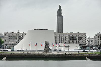 Le Havre -Bassin du commerce, grand Volcan et petit Volcan, d'Oscar Niemeyer, Eglise Saint-Joseph