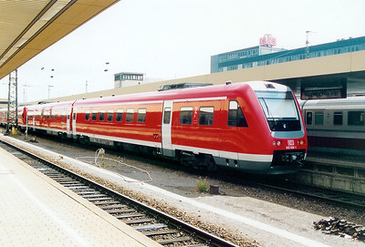 DB, 612 636 at Saarbrucken HBF on 31st August 2003