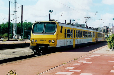 111512 at Metz Ville on 31st August 2003