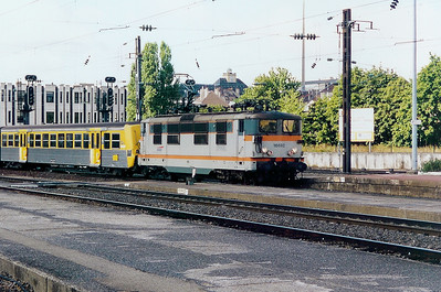16692 at Metz Ville on 31st August 2003