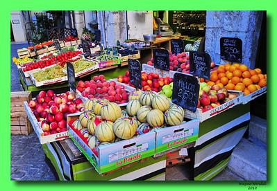 Vence_fruit_market_store_D3S0319