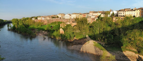Rabastens, depuis le pont sur le Tarn