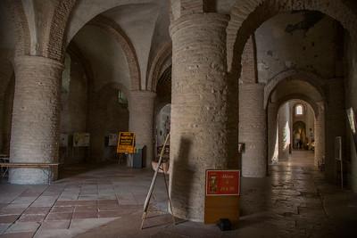 Abbaye de Saint-Philibert, Tournus.  Narthex.