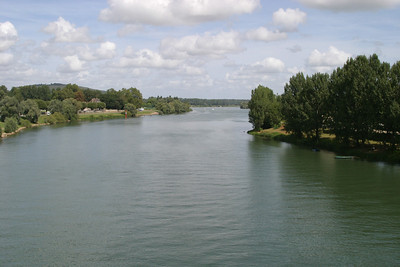 The Saône, looking upriver from the bridge at Tournus