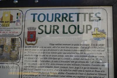 Tourrettes sur Loup: Village on the Stream