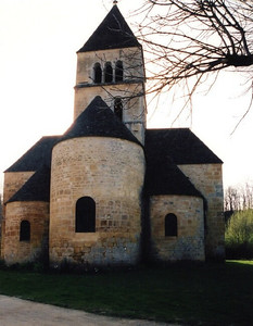 St  Leon Sur Vezere church 05