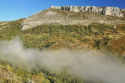 Face à Bargème, la montagne de Brouis