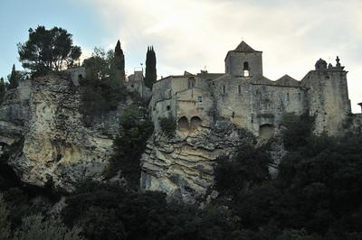 Vaison-la-Romaine - Cathédrale Sainte-Marie de l'Assomption, en équilibre sur le rocher