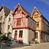 Noyers-sur-Serein - Place de la Porte Etape aux Vins