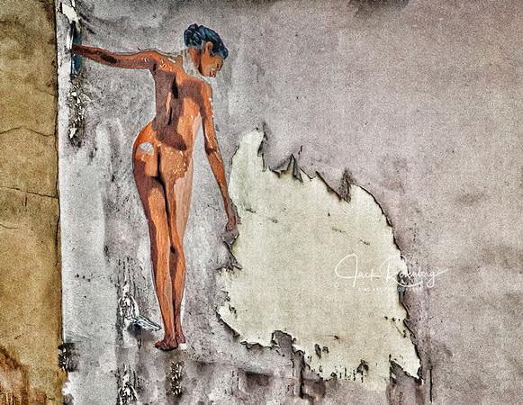 """Lyon 2019 - Peeling Painted Girl"""