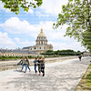 Girls walking in front of the Dome des Invalides, home of Napoleons Tomb