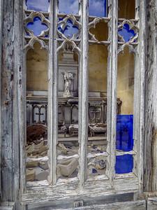 Broken Mausoleum in Chartruese Cemetery