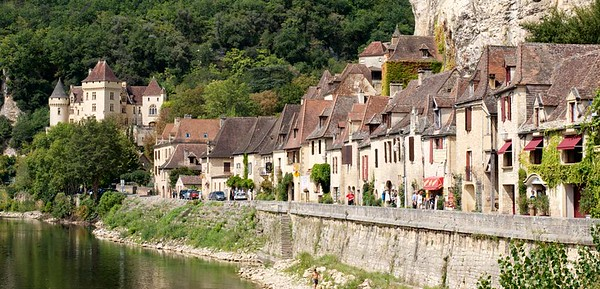 Town La Roque Gageac