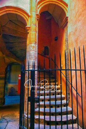 """Arles 2019 - La Longue Traboule - Hidden Alley Back Stairs"""