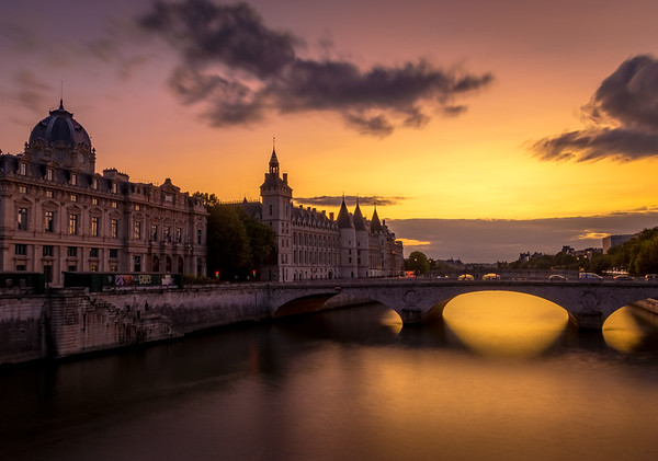 Golden Paris! - Le Conciergerie from Pont Notre Dame