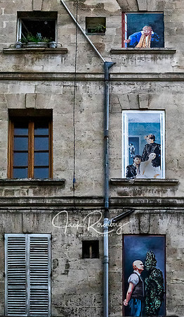 """""""Avignon 2019 - No One Home? No Problem ... Paint People On The Windows!"""""""
