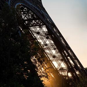 Eiffel Leg