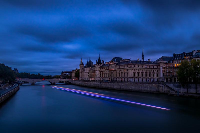 Cruising the Seine - Le Conciergerie, Paris