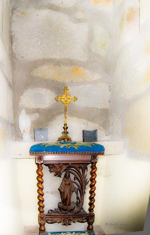 A private, closet-size chapel hidden deep within the mediaeval walls of Château de Marcenac, Livinhac-le-Haut, Aveyron