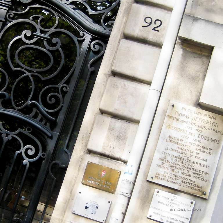 92, Av. des Champs-Élysées has seen a lot of history. The island nation of Malta is represented here and on 25 August 1944 firefighter Robert Berlinger sacrificed his live in the liberation of Paris. Founding Father, author of The Constitution and US President Thomas Jefferson leased the Hôtel de Langeac, which stood at this location. It was torn down in 1842 to be replaced by the current apartment building.