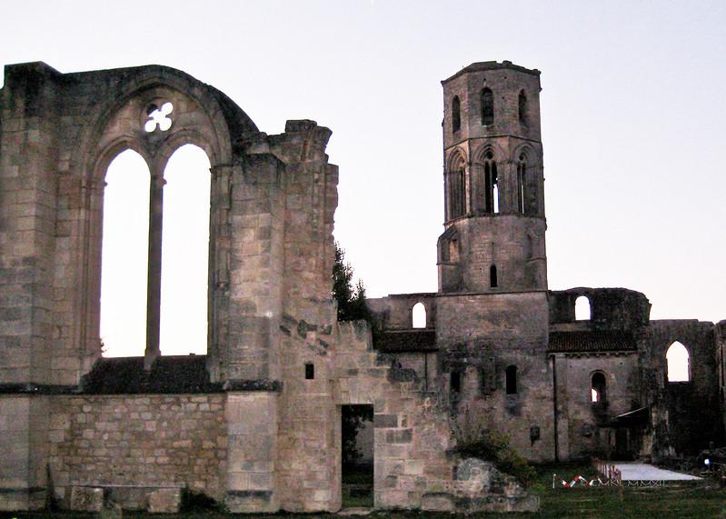 Dusk over Sauveterre-de-Guyenne, Aquitaine