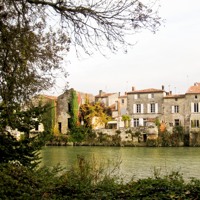 Autumn Scene<br /> Sainte-Savinien sur Charente, Charente-Maritime