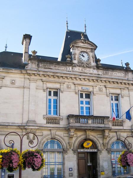 A French institution: La Poste<br /> Cognac, Charente