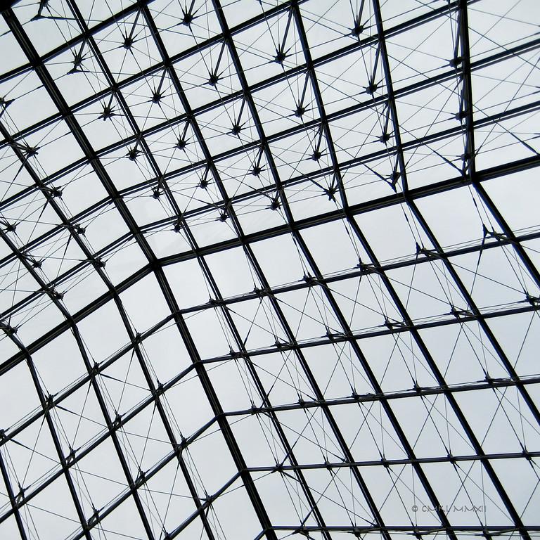 La géométrie d'une Pyramide - Le Louvre